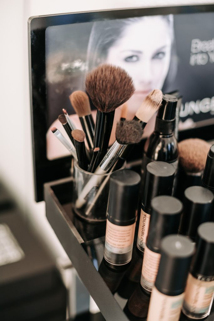 Attention Hair and beauty makeup